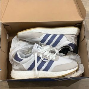 Women's New Adidas Shoes NEW in box